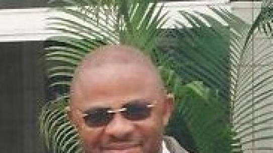 Simon Tabi OBENOFUNDE soutient sa thèse
